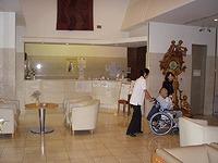 高齢者施設の訪問治療